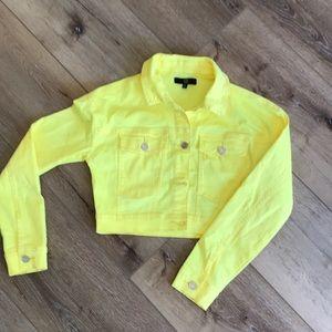 Denim cropped jacket.